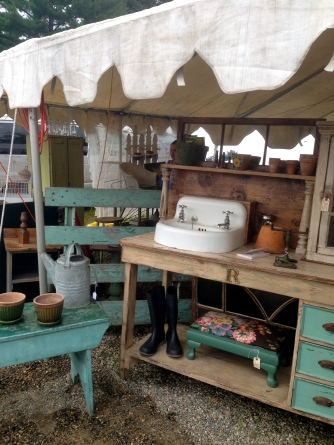 Brimfield fair antiques